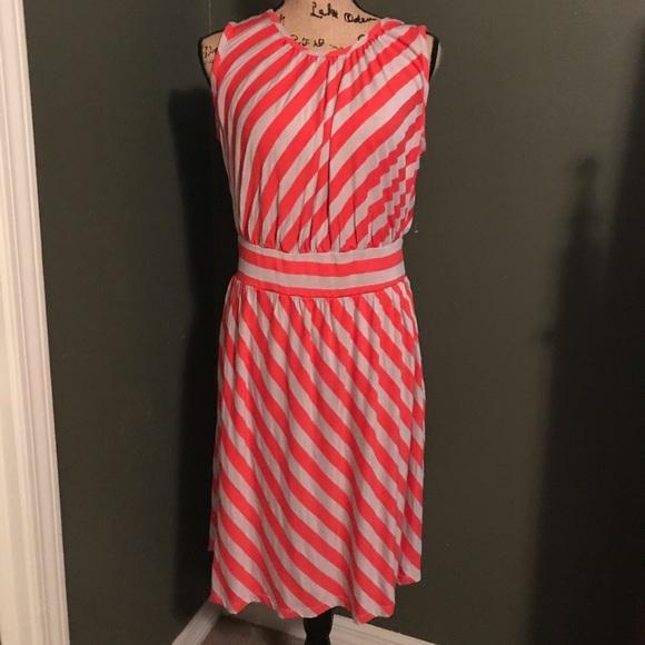 Haani Dresses & Skirts - Chevron dress
